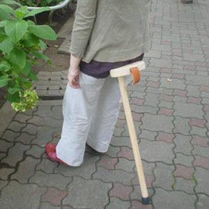 1 本脚のサドルチェア
